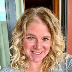 Jennifer Heflin smiling
